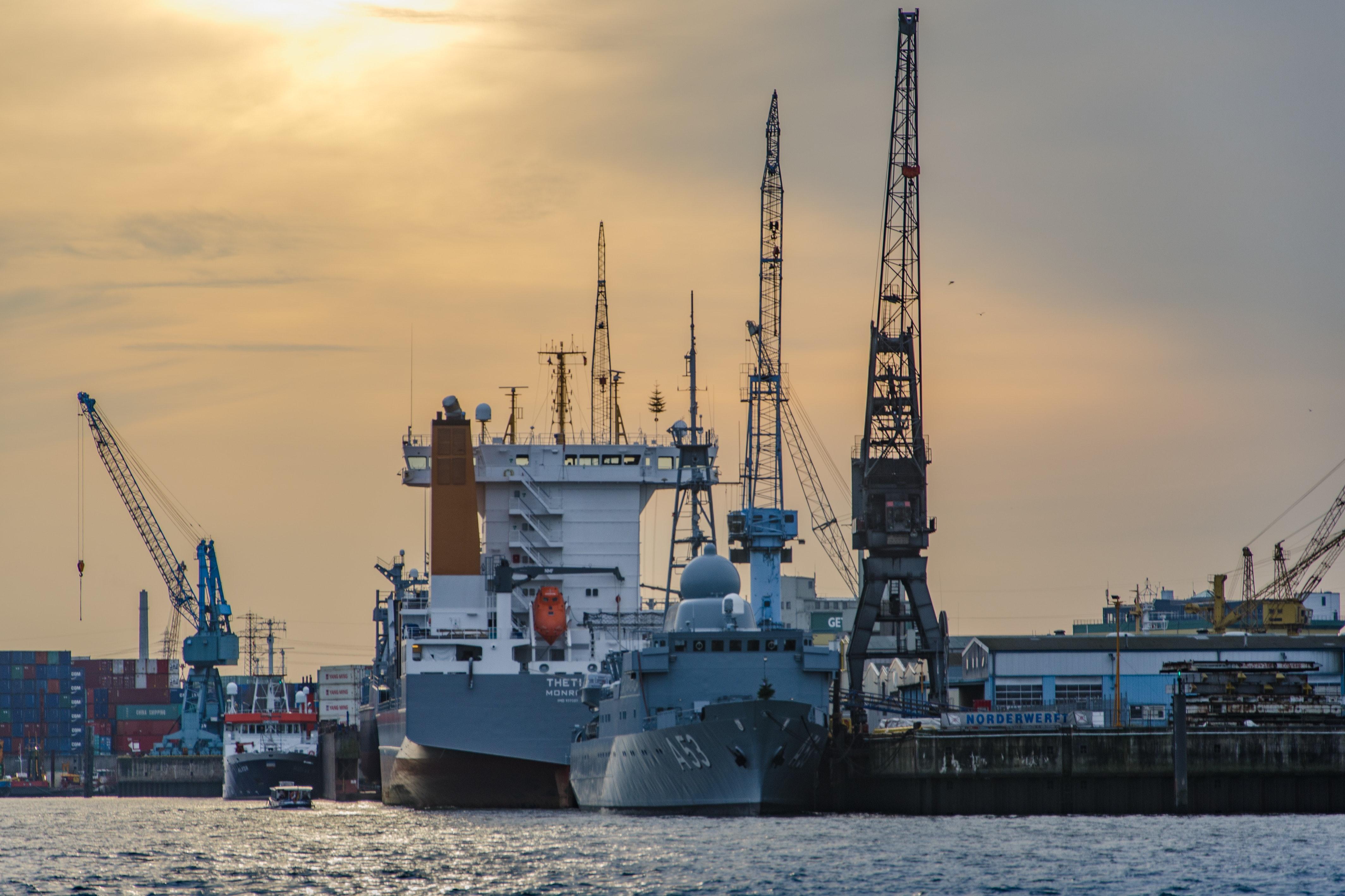 boat-business-cargo-70418.jpg